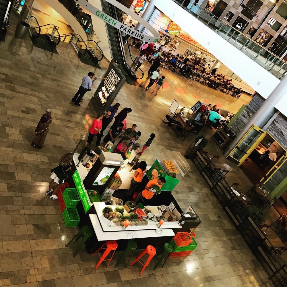 Juice Stars Fashion Show Mall